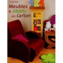 meubles et objets en carton