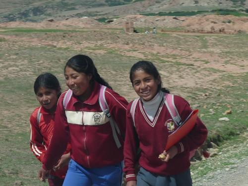 Schulkinder auf dem Heimweg