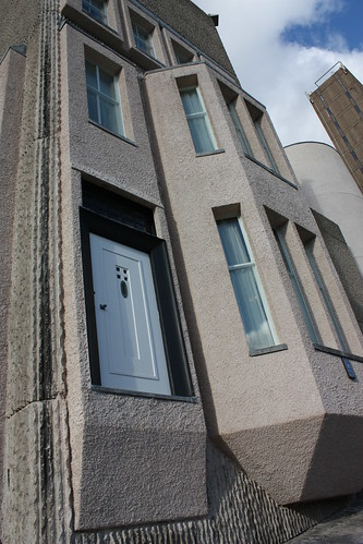 The exterior of the Mackintosh house. Notice the front door to nowhere.