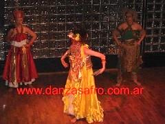 Oxum (Danza Afro, Viviana Nohmi.) Tags: afro viviana eshu ogum oia danzas nohemi candomble oxala xango oxum orishas orixas exu africanas umbanda yemanja oxossi iansa orichas omolu danzaafro kimbanda danzaafricana afrodance danzasafro afroyorubas candombleorixasorichasorishasdanzasafroafricanasafroyorubasviviananohemicandomble danzasafricanas viviananohemi yemnaja babaluai danzadeorixas danadeorixas afroyorubadance