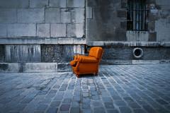 Tu veux un Sky ? (janbat) Tags: street sky orange brown paris france europe nation panasonic armchair rue marron fauteuil pavs lx3 jbaudebert