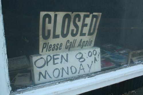 AAA Mason Muffler Service, Closed Sign - IMG_1461