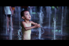 Fountain Dance (James Yeung) Tags: light water fountain night kid play candid beijing cinematic sanlitun ef135mmf2l canon5dmkii