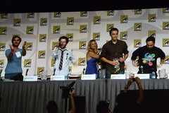 Big Bang Theory Panel 66 (heath_bar) Tags: california ca sandiego comiccon 2009 cbs onthefloor sdcc johncho sandiegoconventioncenter kaleycuoco bigbangtheory jimparsons simonhelberg kunalnayyar