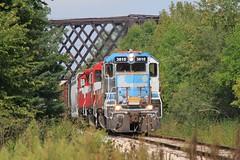 WSOR #3810 leads HM just east of UP bridge 09-09-09 (kschmidt626) Tags: wisconsin grain canadian southern national milwaukee locomotive byron bnsf alco wsor mp15ac nidera