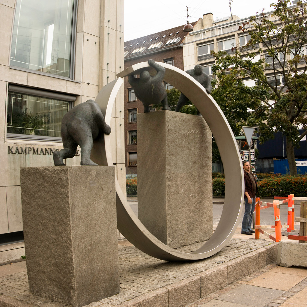 Copenhagen: Kampmannsgade Statues