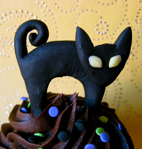 black cat halloween fondant edible cupcake topper