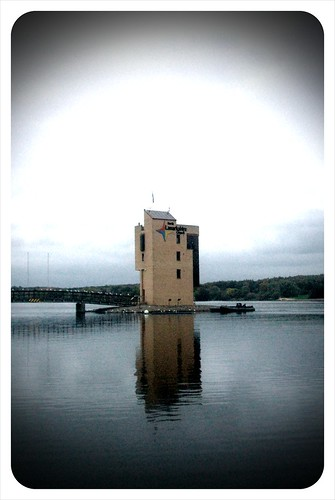 141009_ Strathclyde Park_ Rowing Tower 001 (Camerabag'd Helga)