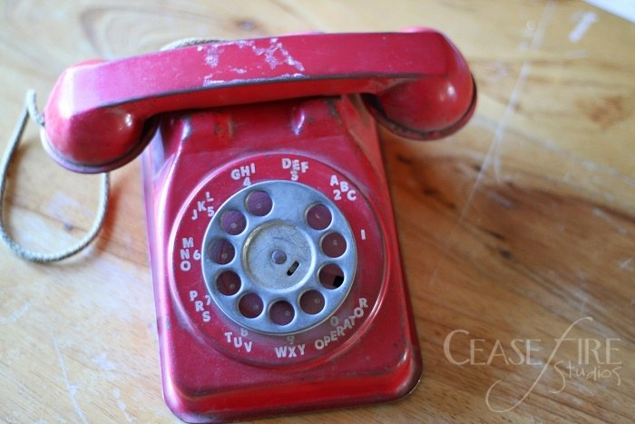 10-31-antiquephone