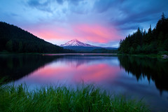 Trillium Lake (Jesse Estes) Tags: sunset lake reflection oregon canon mounthood trilliumlake 1635ii 5d2 jesseestesphotography