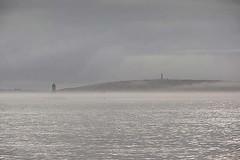 Dans la brume (BreizHorizons) Tags: bretagne phare brume finistre pointeduraz razdesein pharedelavieille lavieille