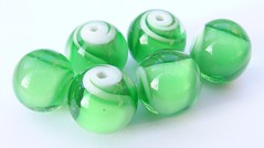 Green Swirly Whirlies (Glittering Prize - Trudi) Tags: white green glass beads jewellery jewelery six trudi sets lampwork swirly sra glitteringprize fhfteam