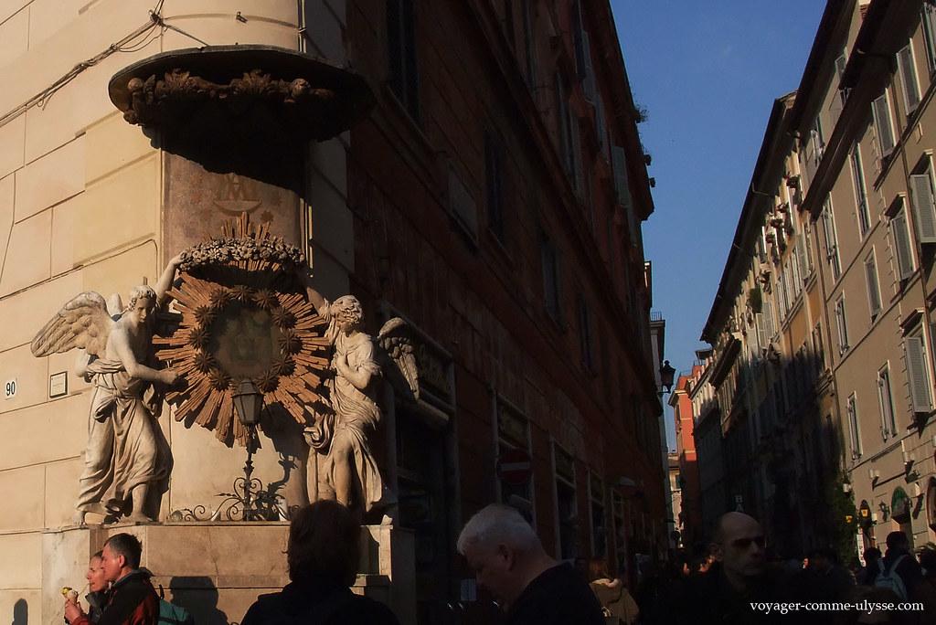 Deux anges dans un coin de la place de Trevi…