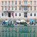 Trieste: palazzo con riflesso
