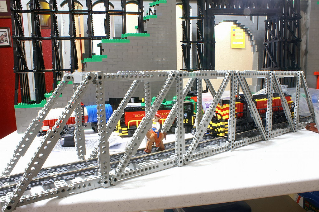 how to build a lego truss bridge