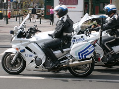 007 (ybottes) Tags: uniform cops boots police motorcycle policia bikers bottes botas uniforme stiefel motards flics