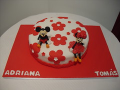 Mickey e Minnie (Isabel Casimiro) Tags: amigos cake bar batizado christening playstation bolos aniversrios bodasdeprata belaadormecida bolosartisticos bolosdecorados bolobatman bolocarro bolopirataecupcakes boloavio bolopirata bolosdeaniversrocakedesign bolosparamenina bolosparamenino