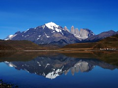 Chile - Las Torres del Paine (Marioleona) Tags: chile patagonia mountains reflections landscape paisaje mario paisagem andes region reflexions riflessi cuernos paesaggio montanhas cordillera montañas landschap paine magallanes mariobrindisi