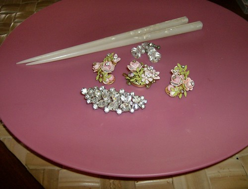 Vintage jewels and hairsticks, FREE with $5 chandelier!  : P