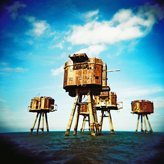 Red Sands Sea Forts #1 (slimmer_jimmer) Tags: holga ww2 whitstable holga120s hernebay maunsell thamesestuary seaforts redsands bayblast
