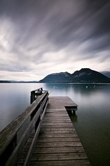 Lac d'Annecy (David Michel) Tags: lake france mountains alps annecy water clouds alpes french lago agua nikon aqua eau long exposure lac nuage pontoon ponton d300 nd1000