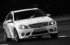 AMG three-wheeler. (Denniske) Tags: white up wheel canon germany deutschland eos mercedes benz three is action c wheels 63 september 09 l mm 12 dennis blanche 12th wit weiss bianco 70200 2009 f28 ef v8 fahren amg duitsland nordschleife nrburgring noten lseries touristen schwalbenschwanz llens fahrten c63 40d touristenfahrten galgenkopf denniske touristenfahren dennisnotencom wwwdennisnotencom