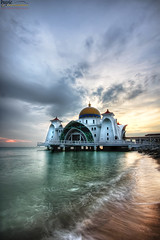 Masjid Selat (buyie - think and shoot !) Tags: hotornot hdraward