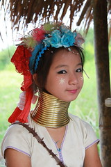 Longnecks (Suky28) Tags: travel portrait people portraits neck necklace asia southeastasia long village faces burma traditional hill tribal karen ring rings longneck tribes myanmar tribe ethnic brass burmese mujeres birma coils bodymodification indigenous villagers hilltribes padang hilltribe longnecktribe karentribe padong longnecks padaung birmanie collo kayan longo birmania longneckkaren mujeresjirafa burmeseborder paduang giraffewomen