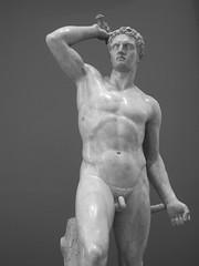 escultura (fernandodemexico) Tags: bw sculpture man blancoynegro statue museum nude mexico blackwhite df kodak body bn escultura museo estatua hombre desnudo gladiador munal