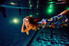 (SARA LEE) Tags: blue light pool girl night university underwater dress flash hannah refraction hawaiian chapman forever21 sarahlee ewamarine legothenego hannaht hannahthomas vivantvie