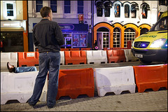 01:09 ambulance - Cardiff (Maciej Dakowicz) Tags: uk wales night nightout britain cardiff ambulance stmarystreet