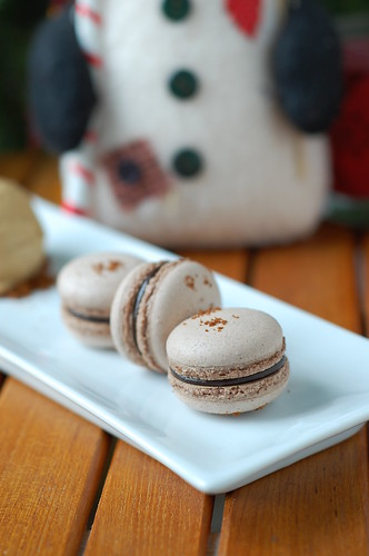 Gingerbread trio - gingerbread macarons