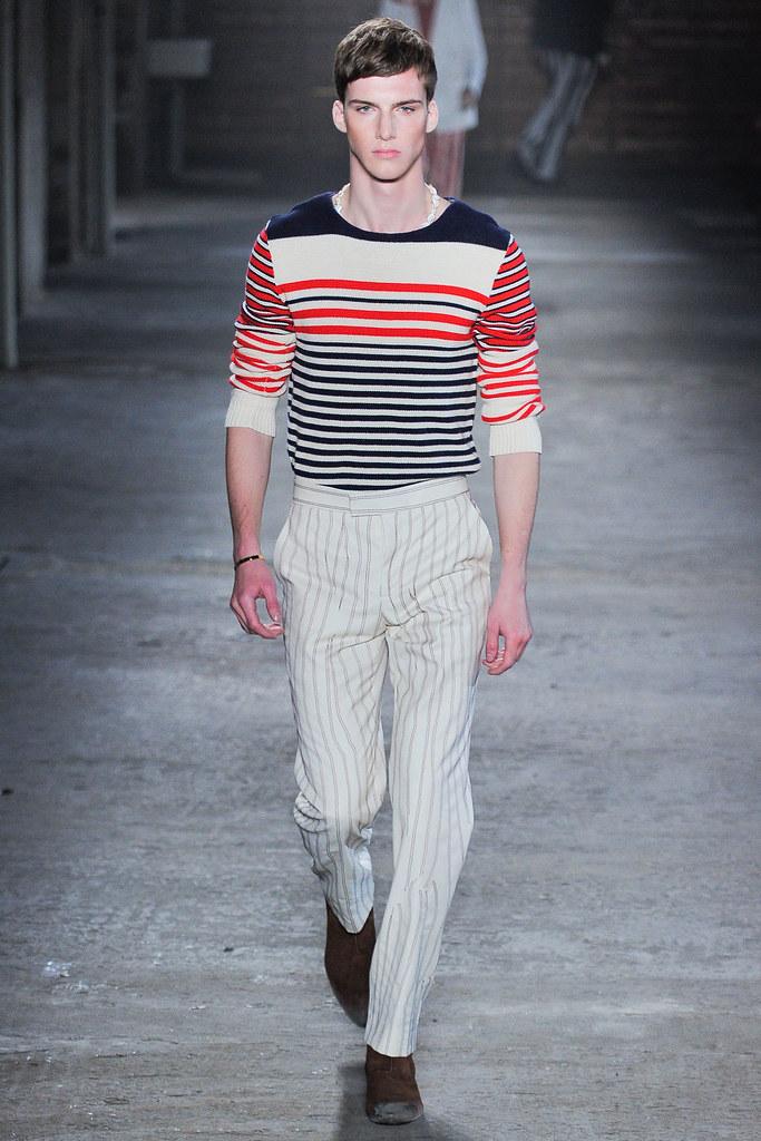 SS12 Milan Alexander McQueen008_Johnny George(VOGUEcom)