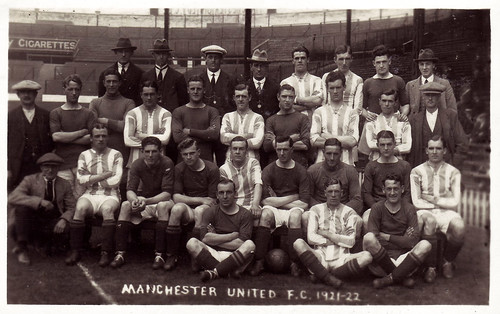 Manchester United 1921-22 team photograph (1)