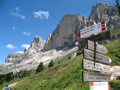 Der Rosengarten und die Rotwand: verschiedenste gut markierte Wanderwege und Klettertouren laden ein