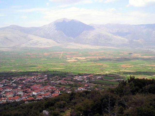 Ανατολική Μακεδονία & Θράκη - Δράμα - Δήμος Προσοτσάνης Το χωριό Χαριτωμένη από το δρόμο του Μενοικίου όρους