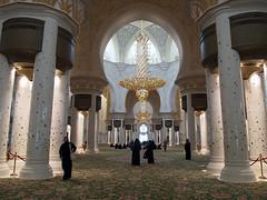 Inside Sheikh Zayed Bin Sultan Al Nahyan Mosque in Abu Dhabi (olyigel) Tags: pen four al olympus mosque bin zayed micro third sultan abu dhabi zuiko sheikh ep1 nahyan mft 1442