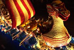 Ночной парад карнавала Цветочное сражение, остров Джерси