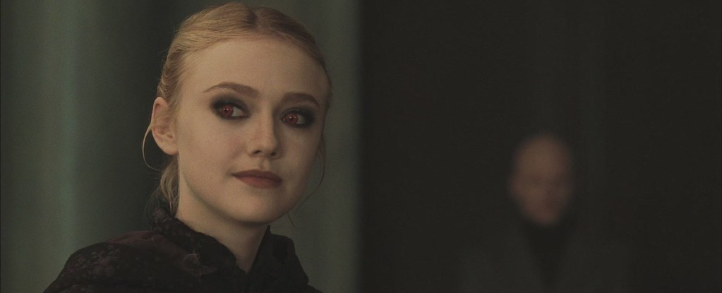 Dakota Fanning Jane ojos rojos
