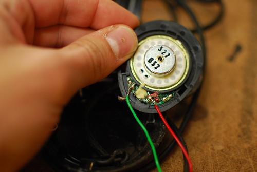 pinch control gesture based personal music device with arduino rh urbanhonking com stereo headphones wiring headphone speaker wiring
