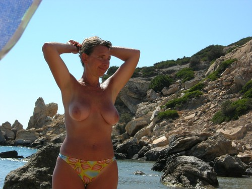 the nude beach location candid pics: nudebeach