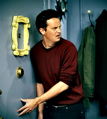 Chandler Bing (Matthew Perry) (Friends_WB) Tags: david 2004 matt de nbc for 22 tv comedy you matthew anniversary jennifer central lisa september ill warner emmy um be there cox awards 1994 perry 15th serie sag schwimmer ouro globo perk broz sitcom the aniston leblanc rembrandts kudrow courteney