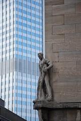 Mann an der Ecke (mondlicht69) Tags: architecture skyscraper germany nikon hessen frankfurt towers trme ecb wolkenkratzer ezb europeancentralbank europischezentralbank guesswherefrankfurt d40x nikkor18105