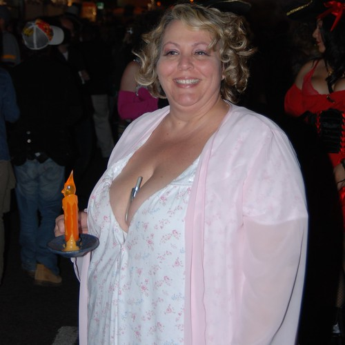 girls with big tits boobs streaming pics: zaftig, cleavage, bigboobs, halloween