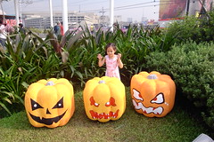 scary pumpkins (HunnieBunch) Tags: starbucks skygarden smnorthedsa forchristmas giftshopping