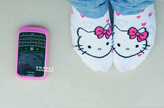 (Ana Ksa  ) Tags: hello morning pink canon 50mm ana blackberry kitty jeans bold bbb ksa 40d