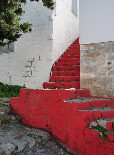 red steps, Hydra