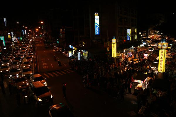 night-market2-600