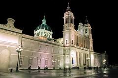 Catedral de la Almudena (TerePedro) Tags: madrid espaa church architecture night spain arquitectura cathedral almudena catedral iglesia duomo eglise aboutiberia
