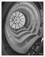 Guggenheim Museum 2 (Monika Ostermann) Tags: nyc newyorkcity usa ny newyork museum us guggenheim manhatten guggenheimmuseum abigfave theunforgettablepictures windmillsspirals 100commentgroup creattività monikaostermann